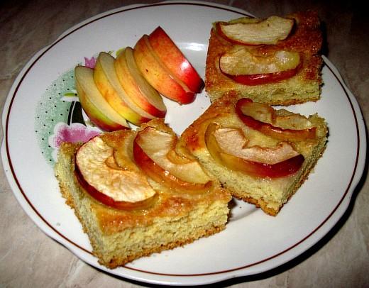 Быстрый песочный пирог с яблоками. Фото