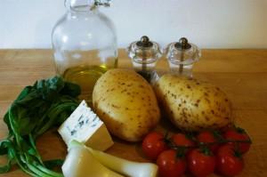 Продукты для горячих бутербродов на картофеле