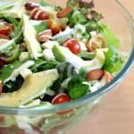 Салат из авокадо и феты с чесноком – лёгкий и изысканный салат