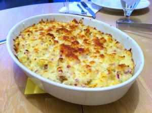 слоёная картошка под сыром с мясом