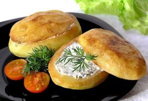 Картофельные сундучки со сметаной и грибами