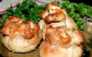 Мясные мешочки с грибами и сыром