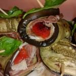 Рулетики из баклажанов с беконом и сыром — вкуснейшая закуска по быстрому