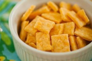 Сырные крекеры Квадратики