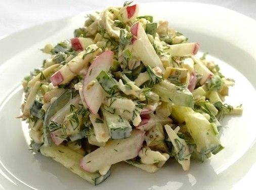 Салат весенний с сыром