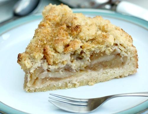 Яблочный пирог с песочной крошкой - простой и экономичный рецепт