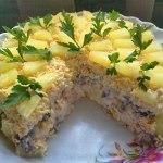 Торт-салат «Чародейка» украсит праздничный стол